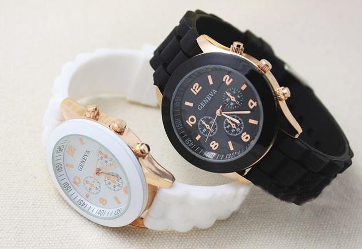 4a40e218eca Kit 5 Relógios De Pulso Feminino Pulseiras Silicone Cores - R  111 ...