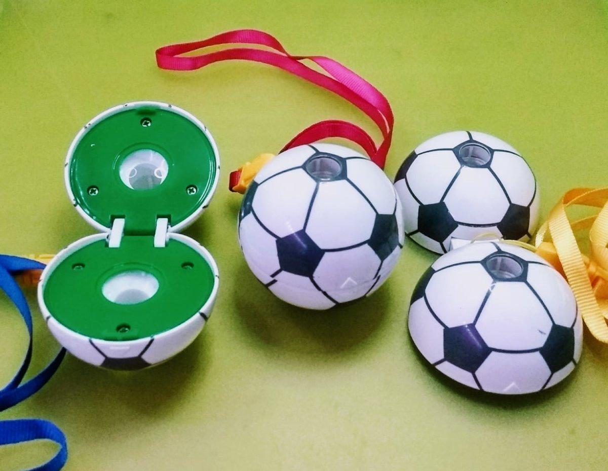 08b5133215 Kit 50 Brinquedo Binoculo Infantil Bola Menino E Menina - R  199