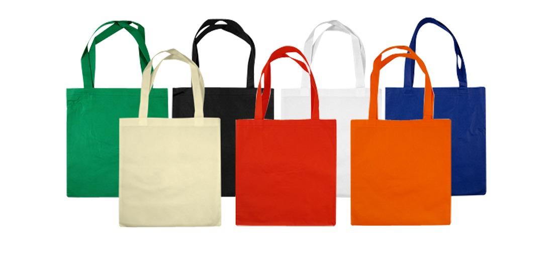 6e0bd9d44 Kit 60 Sacolas Bolsa Ecológica Reutilizável Tnt Medida 25x30 - R$ 150,00 em  Mercado Livre