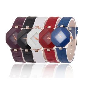 Kit 8 Relógios Femininos Design Diamante Atacado Revenda
