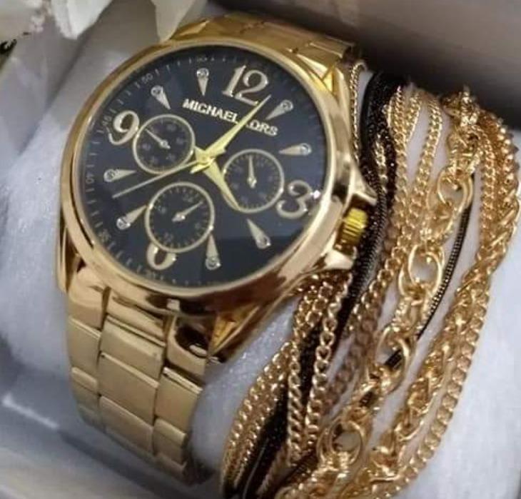 a96856d54c8 Kit Barato 4 Unidade Relógio Feminino + Caixa Branca Revenda - R  120