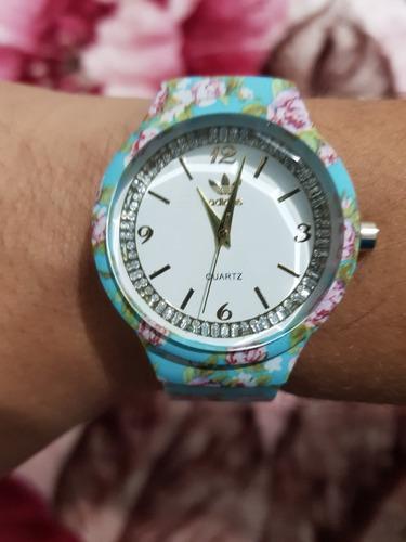 kit c/ 10 relógios adids floridos femininos + caixinhas .