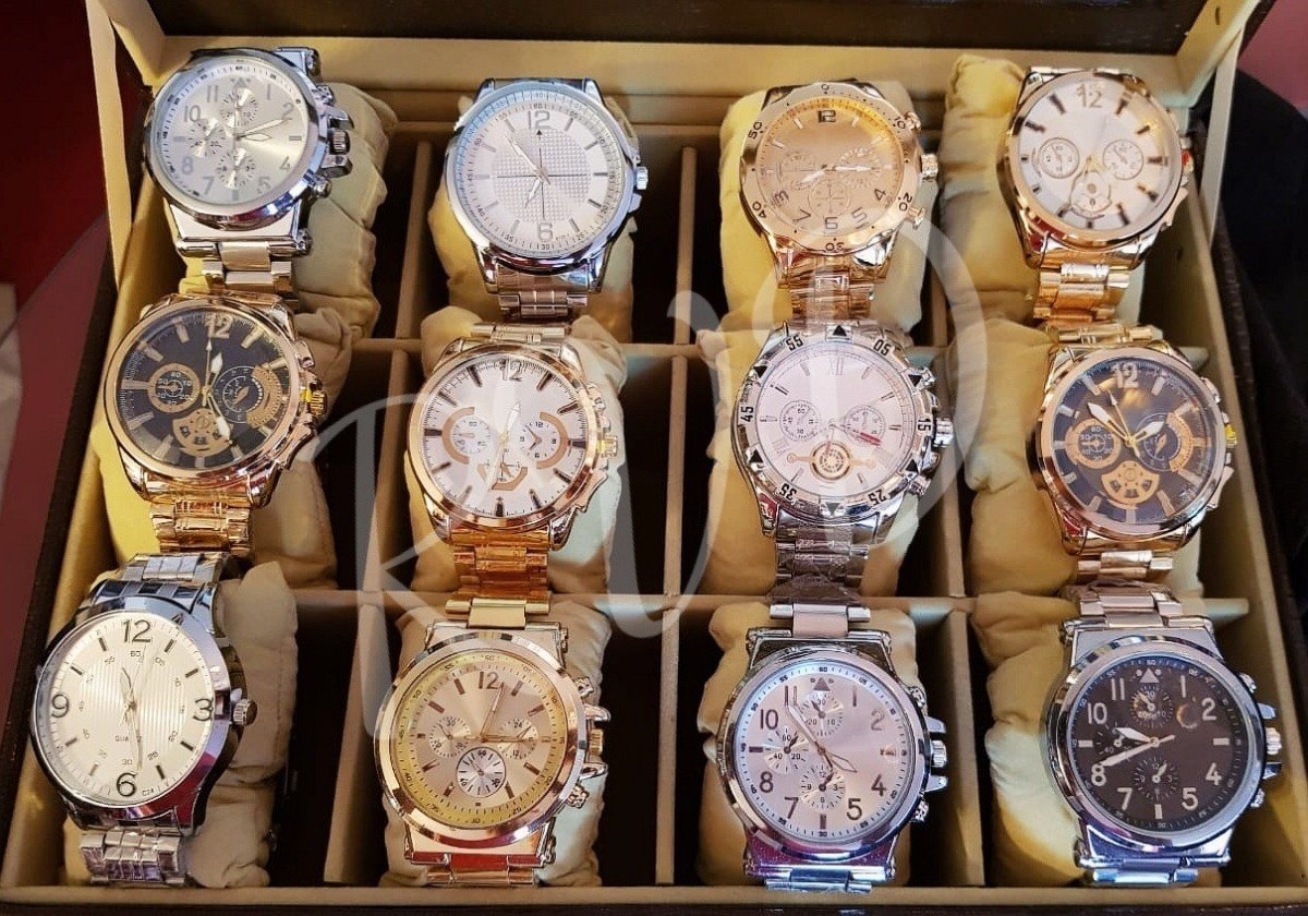 2af5d070815 Kit C  10 Relógios Masculinos Aço Atacado + Caixas E Bateria - R ...