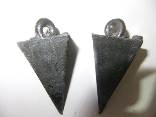 kit c/ 2 chumbada pirâmide 110 gr pesca praia chumbo 2 peça