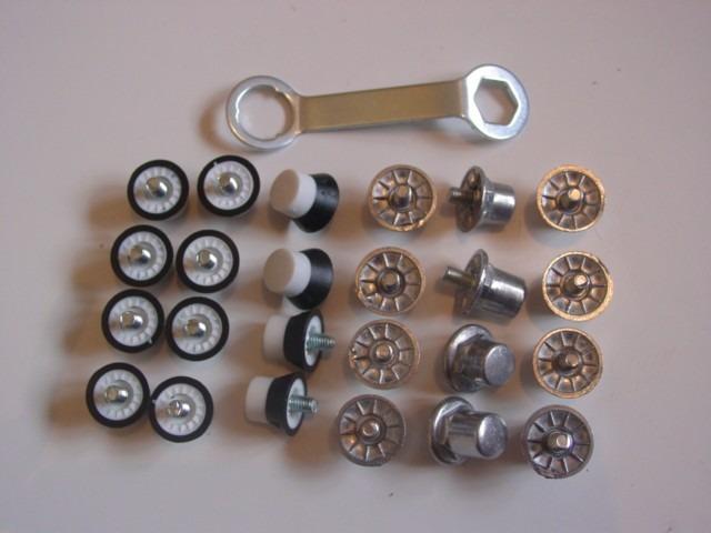 87e46c0893 Kit Chave Travas Borracha E Alumínio Chuteira Asics 1magnus - R  119 ...