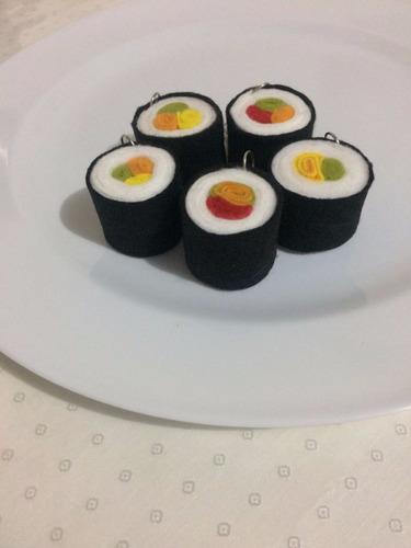 kit com 10 chaveiros de sushi hossomaki tekkamaki futomaki