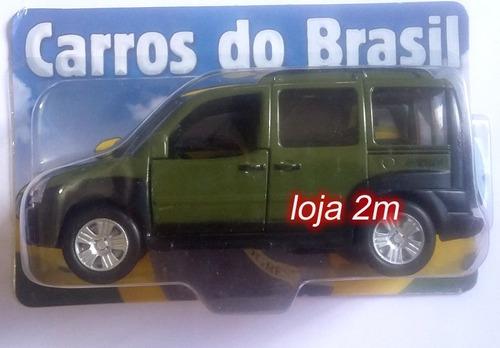 kit com 2 miniaturas carros brasileiros fiat punto e doblo