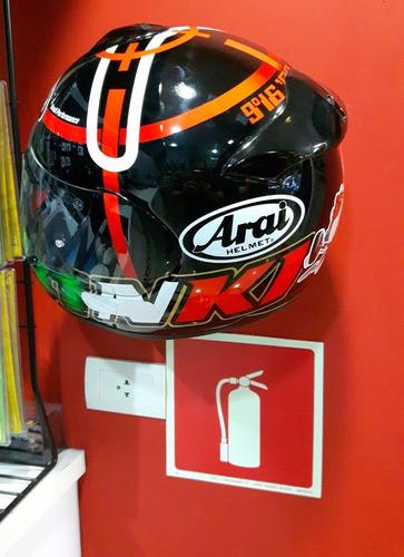 kit com 2 suportes de parede smf para capacete de moto