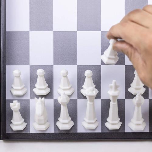 kit com 32 peças de xadrez magnético (16 brancas/16 pretas)
