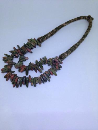 kit com 5 colares de tecido com pedras irregulares