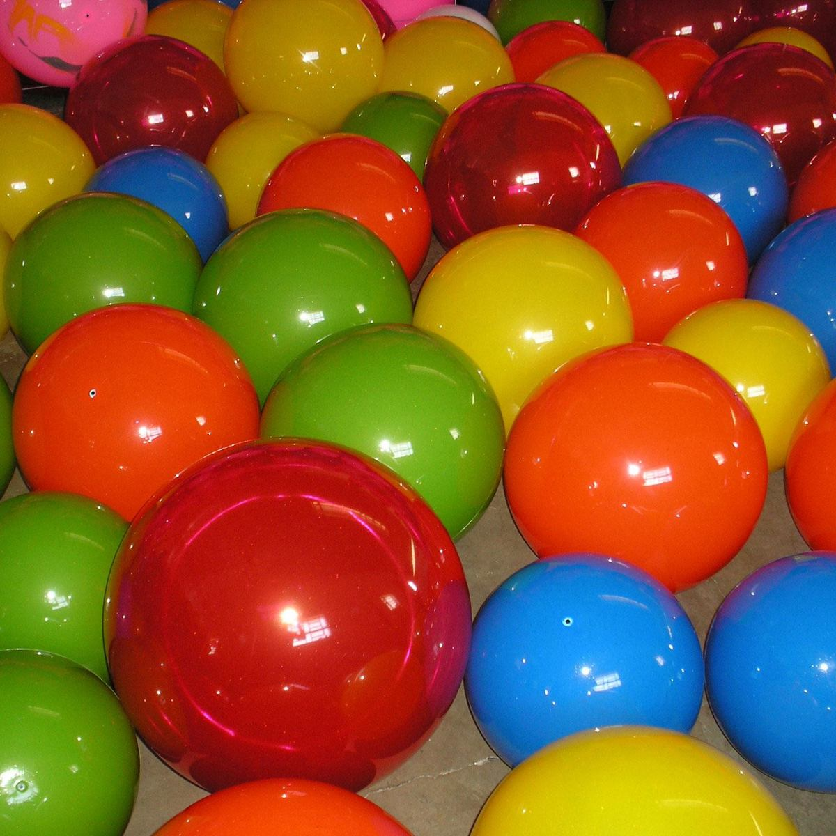Kit com 50 bola de vinil para decora o festa lembrancinha for Bolas para piscina de bolas