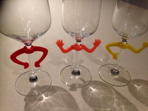 kit com 6 marcadores de taça de vinho divertidos