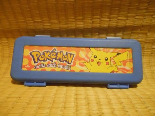 kit com estojo pokémon + 17 lápis ceras pikachu mat escolar
