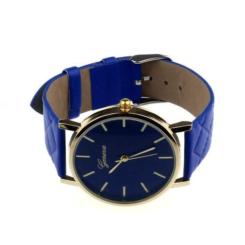 4f4caca37ab kit com três lindos relógios femininos detalhes dourados top. Carregando  zoom.