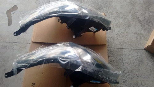 kit composto de faróis dianteiro fumê lado esquerdo agile