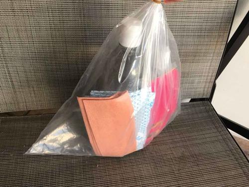 kit con gel anti bacterias, sanitizante, cubre bocas, toalla