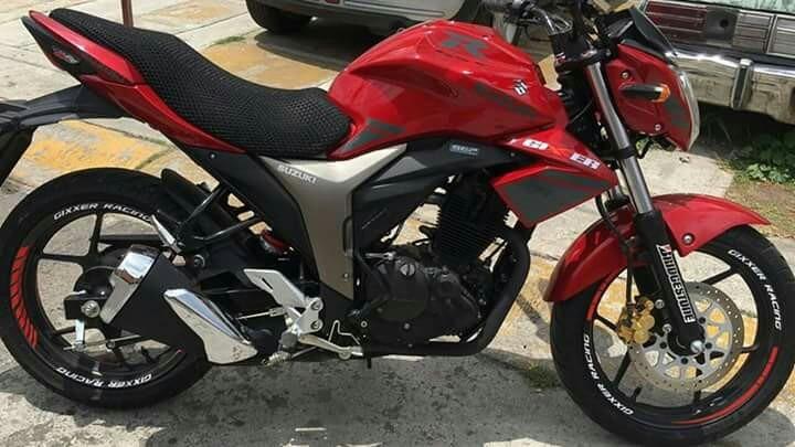 Suzuki  Gixxer Rojo