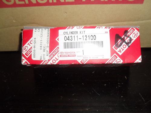 kit de cilindro de freno corolla 92/97 original (04311-12100