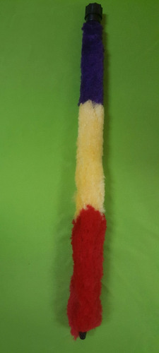 kit de limpieza p/saxo alto. bastón y un paño