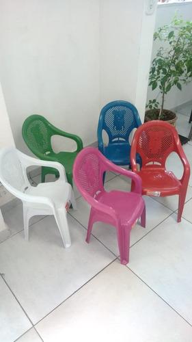 kit de mesa com 4 cadeiras com braços -infantil-cores