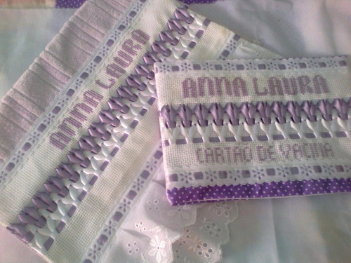 kit de porta cartão de vacina e toalhinha de boca c/ nome