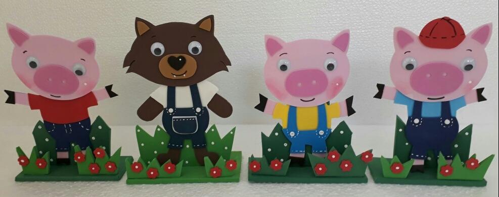 Kit Displays Lobo Mau E Tres Porquinhos R 90 00 Em Mercado Livre