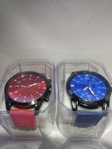 kit dois relógios de pulso na promoção