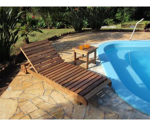 kit espreguiçadeira em madeira roma + 01 mesa lateral 45x45