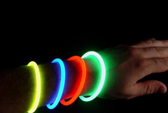 6d957895781 Kit Festa Balada Neon +balão Neon + 15 Colar Pisca ++++ - R  368