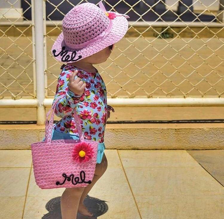 f18db154b6f9 Kit Infantil Bolsa De Palha + Chapéu De Praia Personalizado. - R ...