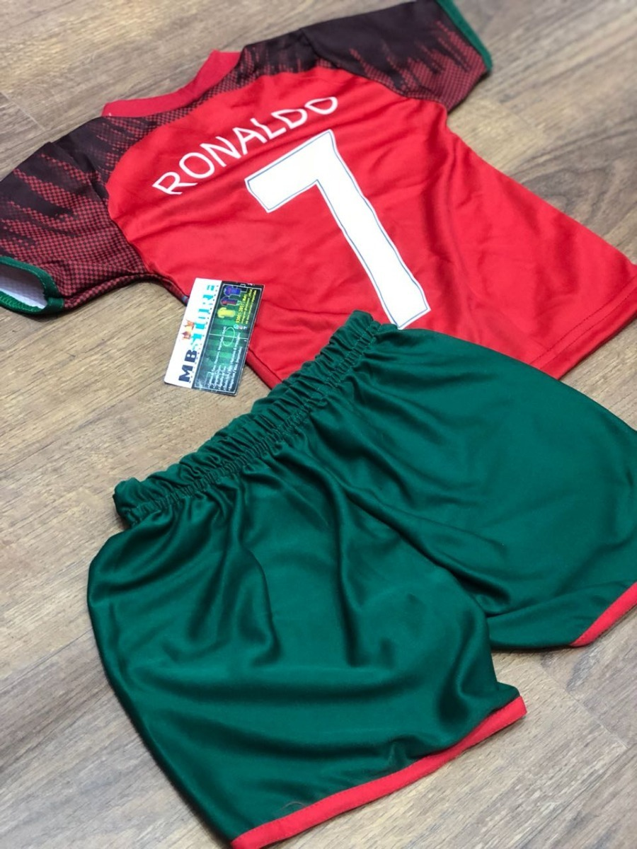 a260b17b649dc kit infantil portugal 7 cristiano ronaldo uniforme criança. Carregando zoom.