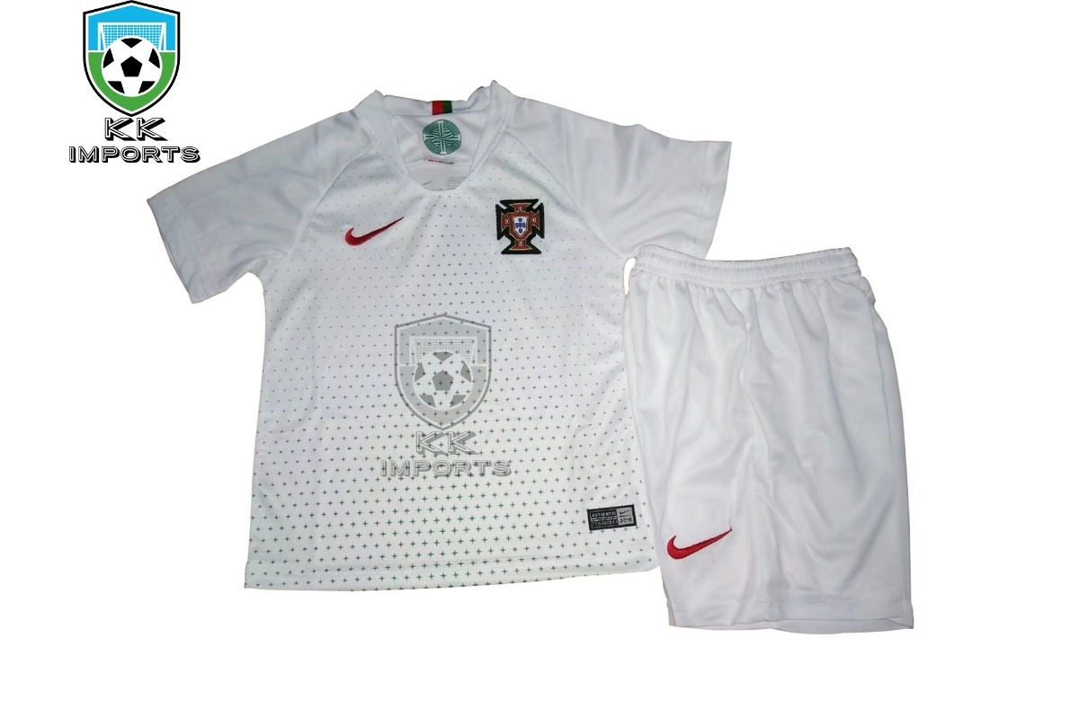 kit infantil seleção portugal 2018 uniforme 2 sob encomenda. Carregando  zoom. bce5143d7e64a