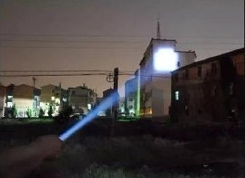 kit, lanterna tatica x900 + spray de defesa + portas 3x1