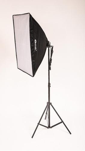 kit luz continua com softbox 50x70 + tripé + lâmpada 135w