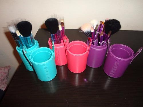 kit maquiagem corretivo 15 cores + 12 pinceis + 4 esponja