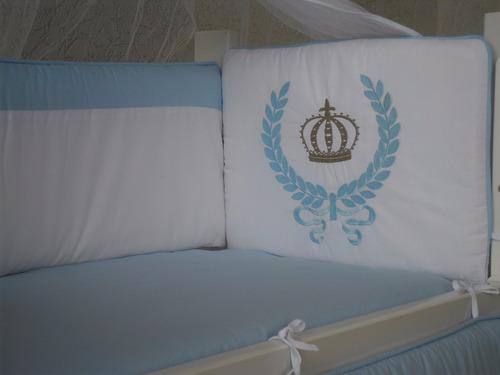 kit mini berço azul bordado coroa 7 pçs canaa - 100% algodão