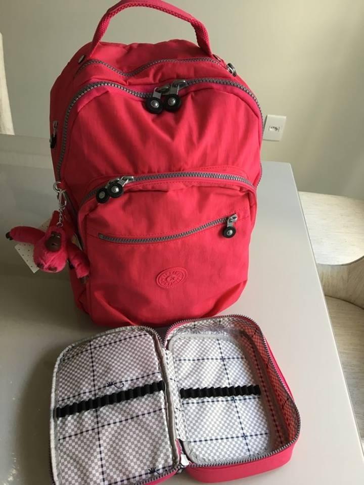 5d0099ccb Kit Mochila Class Seoul Kipling + Estojo 100 Pens - R$ 479,00 em ...