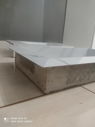 kit nicho e lavatório em porcelanato polido