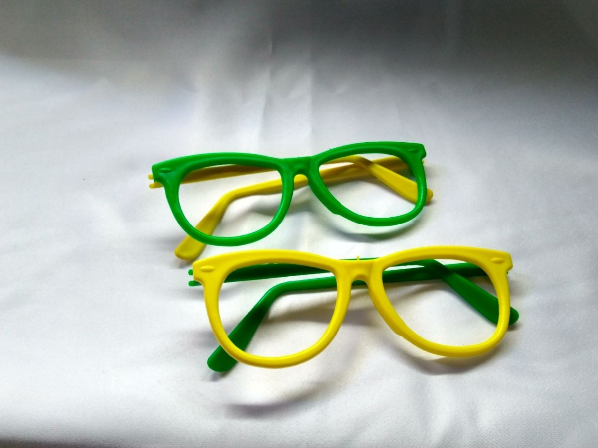 32cfacfd8f23d kit óculos nerd verde e amarelo copa do mundo c  20 un. Carregando zoom.