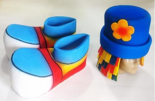 kit patati chapéu e par de sapatos em espuma.