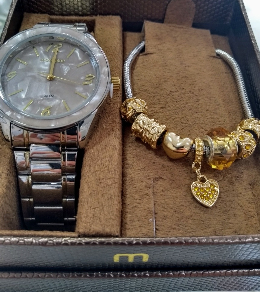 884ec6bb3c6 kit relógio mondaine fem c  pulseira estilo pandora - loja. Carregando zoom.