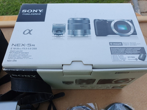 kit sony nex-5r + lente 18-200 + 2 baterias e carregadores