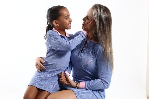 kit tal mãe tal filhos vestido e polo manga longa