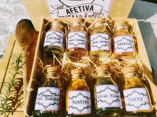 kit temperos condimentos com 8 garrafinhas de vidro em caixa