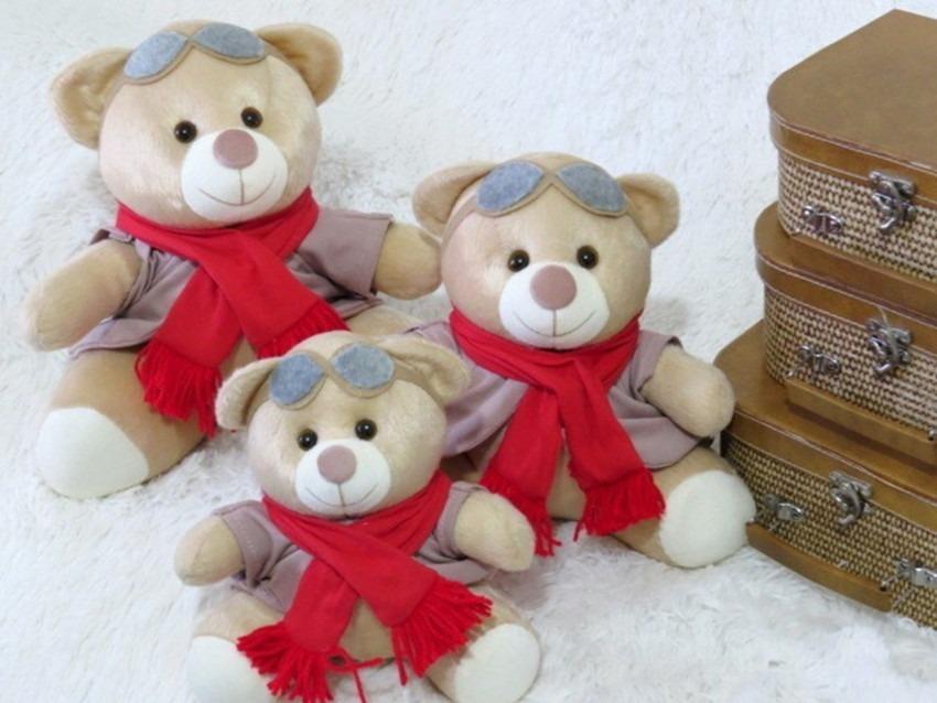 d5ab280d2 kit ursos pelúcia decorativos para nicho aviador vermelho. Carregando zoom.