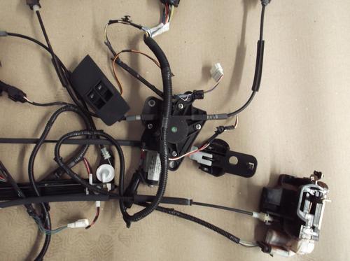 kit vidro eletrico e trava eletrica fiat strada locker