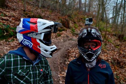 kit x4 base soporte adhesivo curvo  plano casco moto gopro