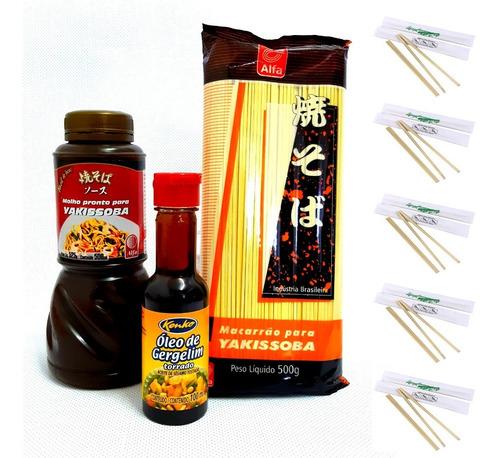 kit yakissoba (macarrão, molho e óleo de gergelim) +10 hashi