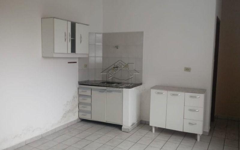kitchen com 1 dormitório em ocian próximo do comercio em praia grand