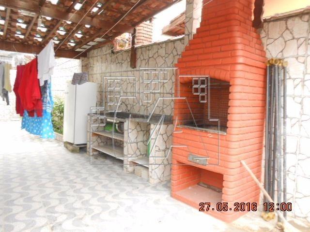 kitão dividido e mobiliado próximo ao mar , com vaga de garagem , e financiamento bancário